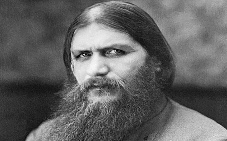 Carského oblíbence Rasputina museli zabít dvakrát