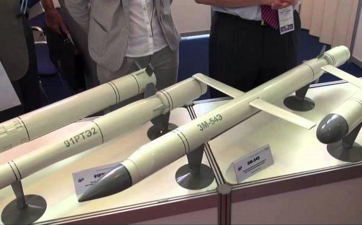 Rusko vyvíjí novou řízenou raketu Kalibr-M s dosahem přes 4 500 km