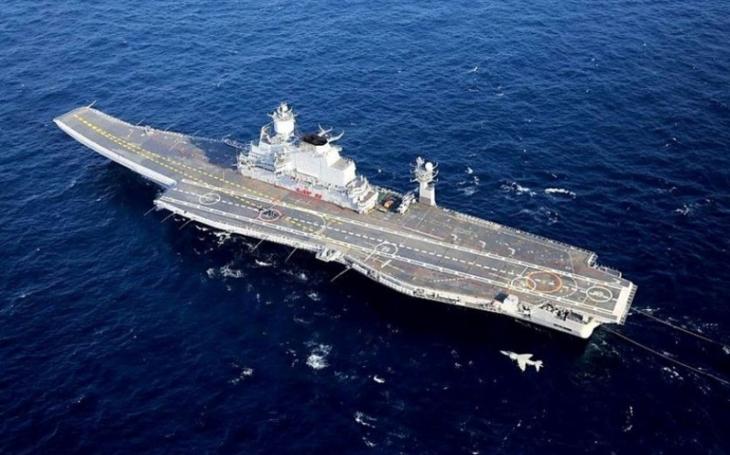 Plány na stavbu další indické letadlové lodi se komplikují