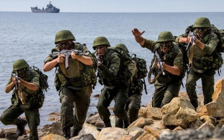 """Už nikdo nepronikne. Ruská Severní flotila se obává sabotérů, zřídila speciální ,,komando"""" na ochranu hladinových lodí"""