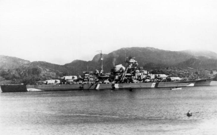 Bitevní loď Bismarck - 80. výročí spuštění na vodu (14.2.1939)