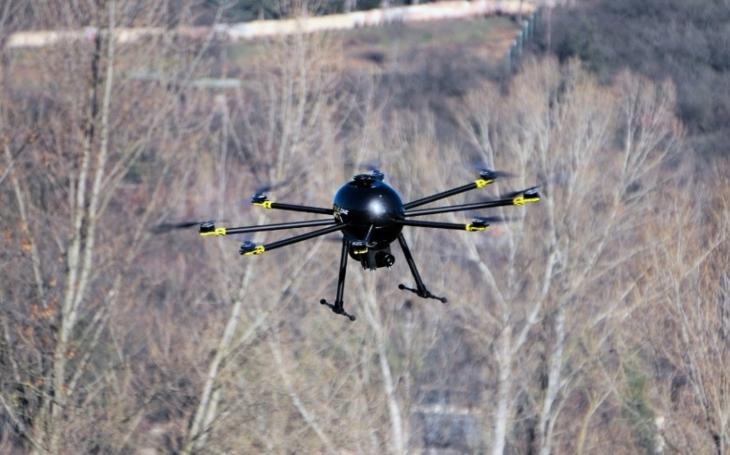 Náš dron vyvolal velký zájem, je to v současné době horké téma, říká jeho spolutvůrce Martin Saska