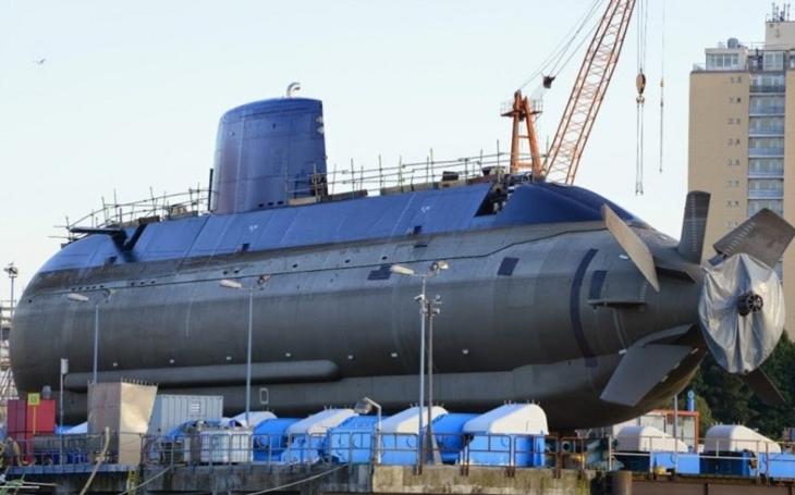 VIDEO: Singapur spustil na na vodu první ponorku třídy Typ 218SG
