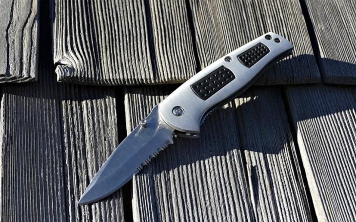Každý muž má mít nůž? Zřejmě už ne, EU vybízí k jejich zákazu