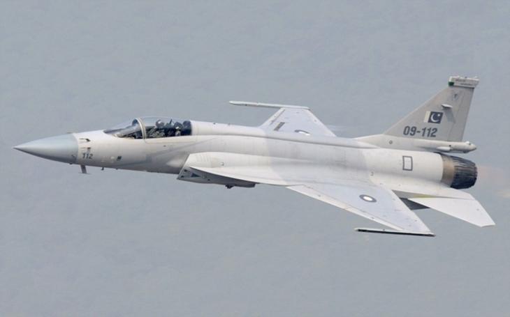 VIDEO: Pákistán sestřelil dvě indické stíhačky ve svém vzdušném prostoru. Napětí ve sporném území Kašmíru stoupá