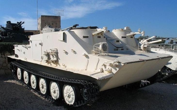 OT-62 - obojživelný obrněný transportér, kterému přezdívali ,,Kačena&quote;