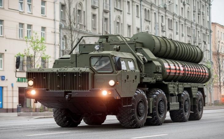 Dodávka protivzdušných systémů S-400 Turecku jde velmi hladce, hlásí Rusko