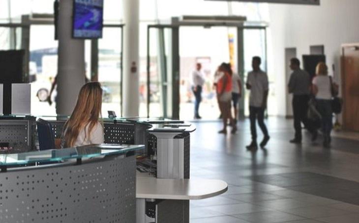 Se začátkem jara přichází turistická sezóna nejen pro hoteliéry, ale také pro zloděje. Hotely se stávají stále častěji jejich cílem