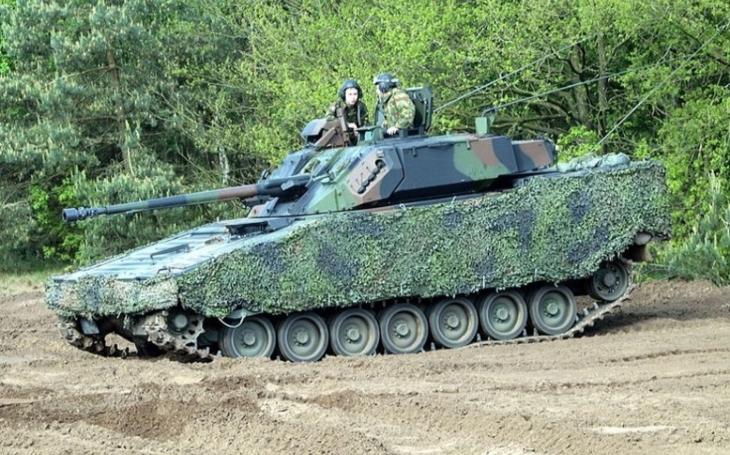 Nizozemí dokončilo dodávku bojových vozidel pěchoty CV90 Estonsku