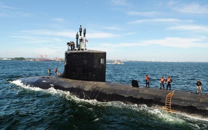 Americké námořnictvo má příliš málo ponorek na odstrašení Ruska nebo Číny, důrazně varuje admirál