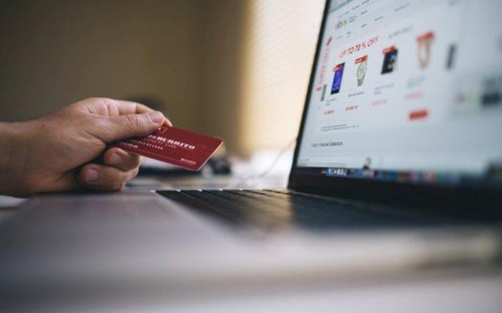 Pojištění internetových rizik. Pomůže při zneužití karetních údajů nebo internetového bankovnictví či proti nepoctivým internetovým obchodům