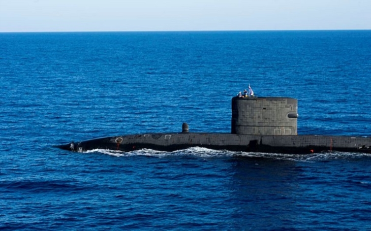 Obří skandál v Royal Navy: Měli sledovat ruskou ponorku, místo toho šňupali britští námořníci kokain