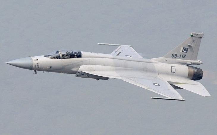 """,,Boj""""e; o Pákistán. Čína a Rusko soupeří o zbrojní zakázky"""