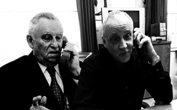 Kancléř tří prezidentů a jeho syn v knize vzpomínají: Na osudovou cestu delegace do Moskvy chtěl Svoboda zapomenout. Bití mokrými ručníky mělo přinutit Čechoslováky k poslušnosti