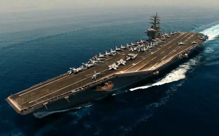 Íránský špionážní dron natočil ,,exkluzivní&quote; záběry americké letadlové lodi USS Dwight D. Eisenhower. Zde je video