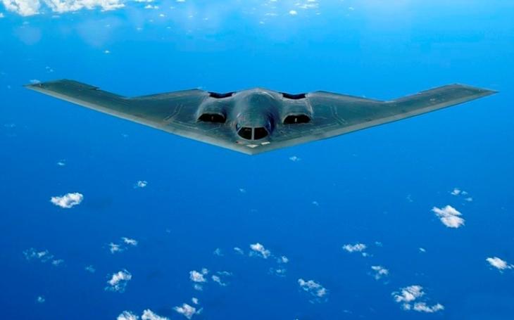 VIDEO: Unikátní záběry kokpitu bombardéru B-2 za letu. Jak to tam vypadá?