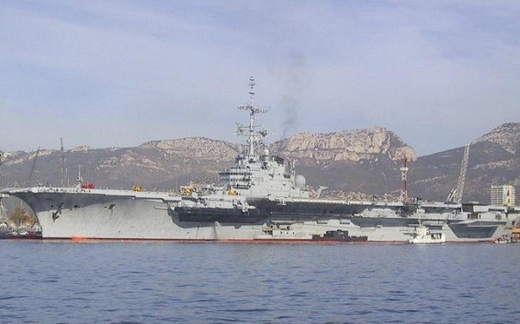 Francouzská letadlová loď jako nepříliš povedená koupě. Brazilci na ni vynaložili desítky milionů dolarů
