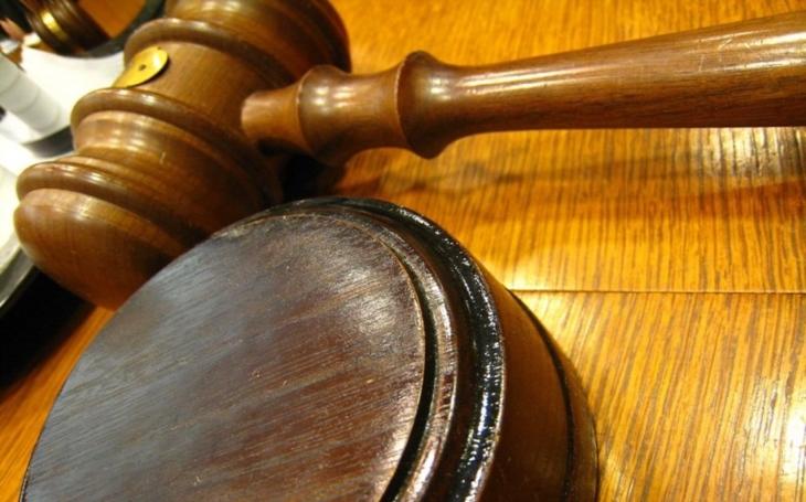 U soudu pomalu k dalekému cíli