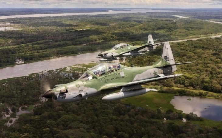 USAF povolává do služby turbovrtulové letouny A-29 Super Tucano a AT-6 Wolverine
