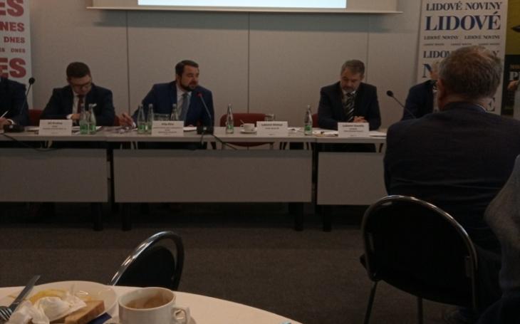 Ministr obrany Metnar na IDETu čelil kritice za armádní akvizice - BVP i vrtulníky