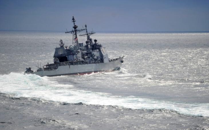 Rusko obvinilo USA, že jejich plavidlo skoro způsobilo ,,katastrofickou srážku&quote; s torpédoborcem Admiral Vinogradov, Američané tvrdí opak