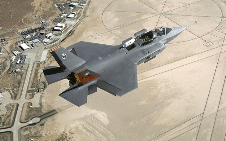 Zrušte kontrakt na dodávku protivzdušných kompletů S-400, můžete dostat letouny F-35, ,,lákají&quote; USA Indii