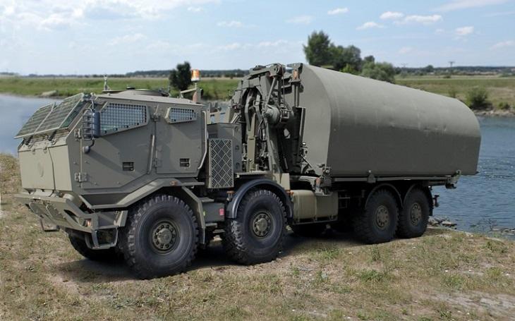 Na veletrhu IDET se představilo nové pontonové mostní vozidlo na podvozku Tatra
