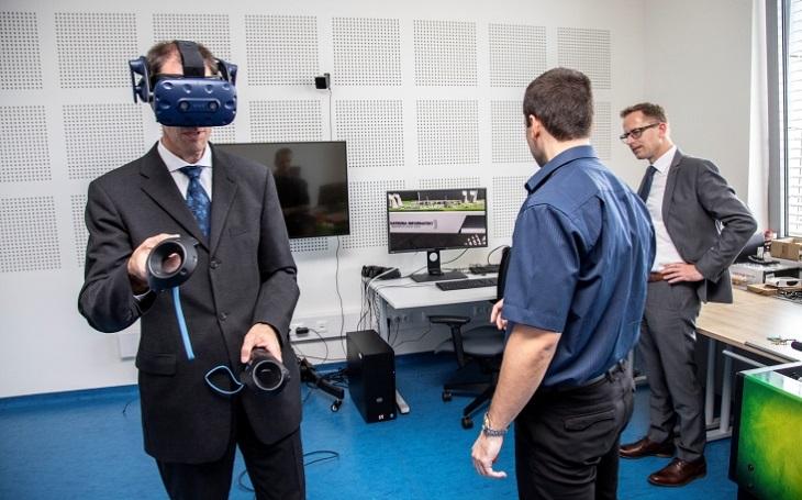 Zástupci GDELS navštívili česká výzkumná a vysokoškolská pracoviště i podniky a podepsali řadu dohod