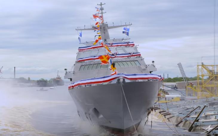 VIDEO: Na vodu byla spuštěna nejnovější pobřežní bojová loď USS Minneapolis-Saint Paul