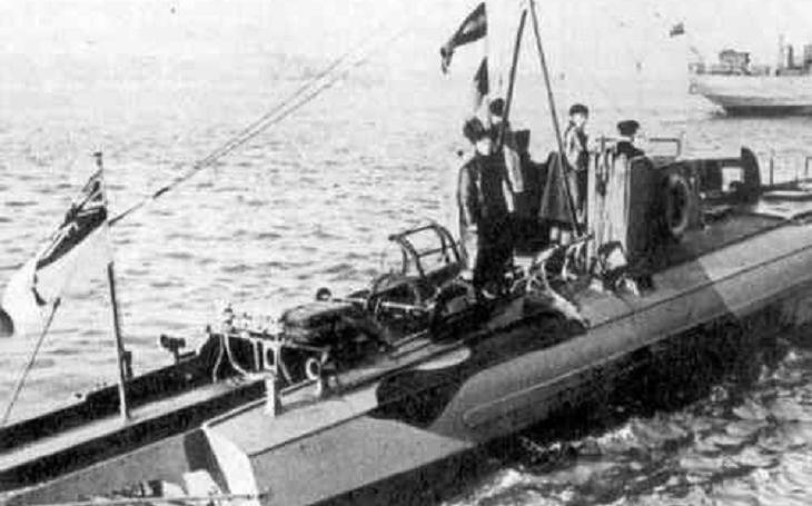 17. června 1919 potopil britský kapitán bolševikům křižník Oleg