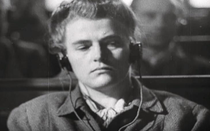 Nacistická bestie s bičem. Dozorkyně Maria Mandlová krutě týrala vězně, za ,,vzornou&quote; službu dostala vyznamenání