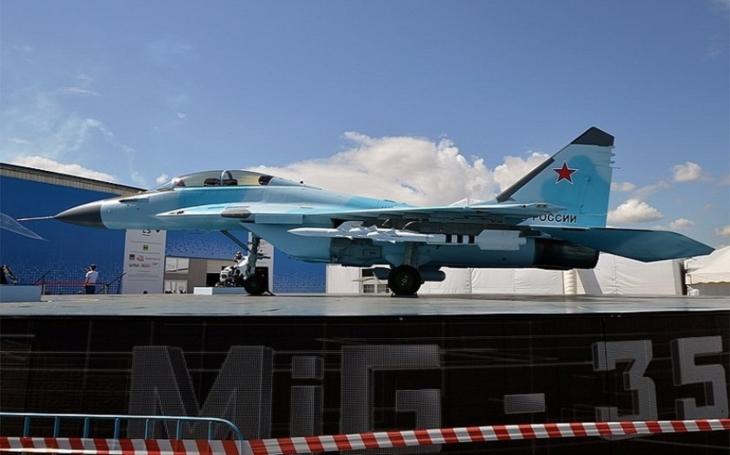 Ruskému letectvu byly dodány dva nejnovější stíhače MiG-35, další čtyři dostane před koncem roku