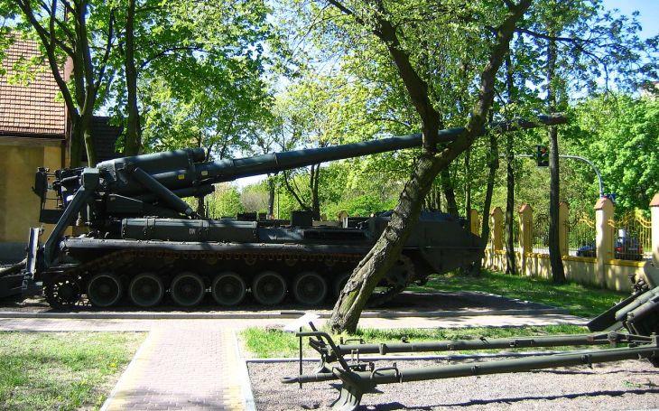 2S7 Pion - ,,jaderná pivoňka&quote; jako tajná zbraň. Sovětské samohybné dělo měla ve výzbroji i ČSLA