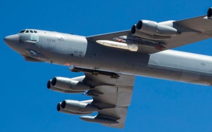 První let B-52 s hypersonickou střelou AGM-183A