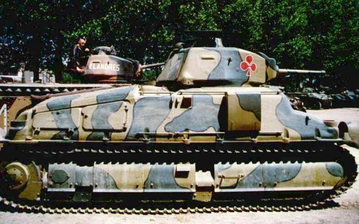 SOMUA S-35 - vysoce pohyblivý francouzský tank, který měl respekt i u nacistů