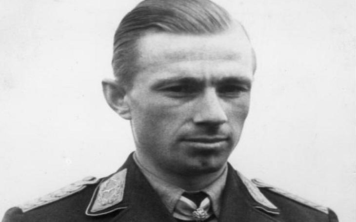 Postrach britských bombardérů se jmenoval Helmut Lent. Dokázal sestřelit 110 letounů, jeho kariéra však skončila tragicky