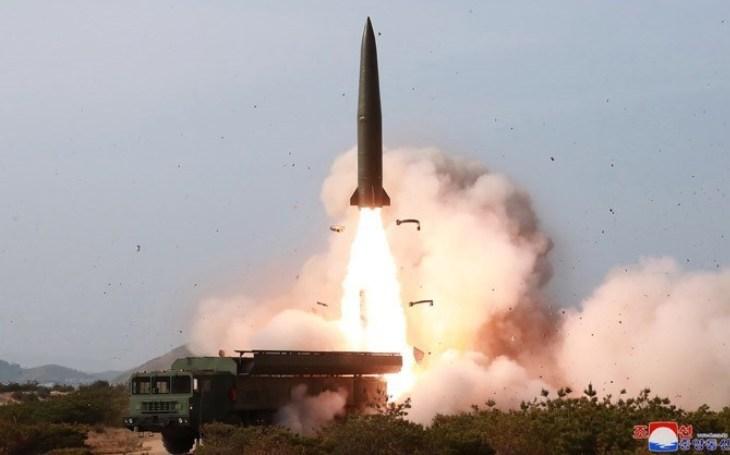 Co víme o &quote;nové&quote; severokorejské raketě podobné Iskanderu?