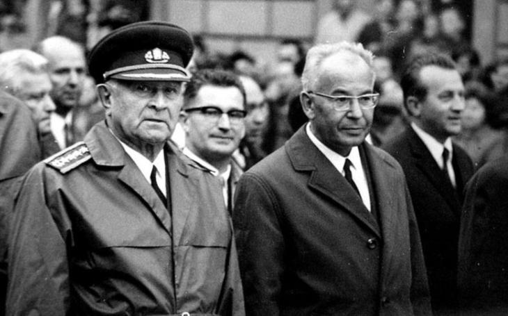 ,,Ústavu jsem nemohl použít, volil jsem hledisko politické.&quote; Jak se Gustáv Husák v únoru 1948 zbavil slovenských demokratů