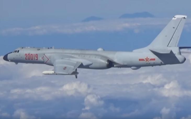 Čínský bombardér H-6K možná bude vybaven hypersonickými zbraněmi