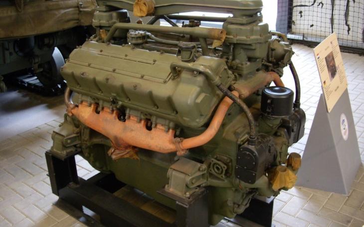 Ford GAA - největší benzínový osmiválec světa poháněl tanky Sherman M4