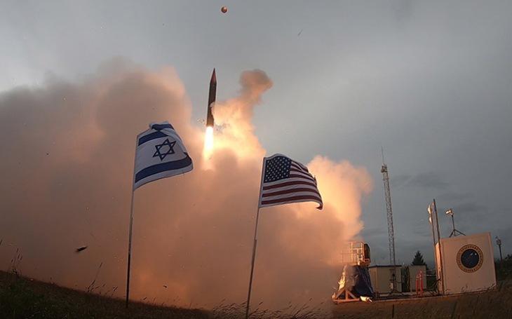 Izrael vyzkoušel na Aljašce svůj protiraketový systém Arrow 3