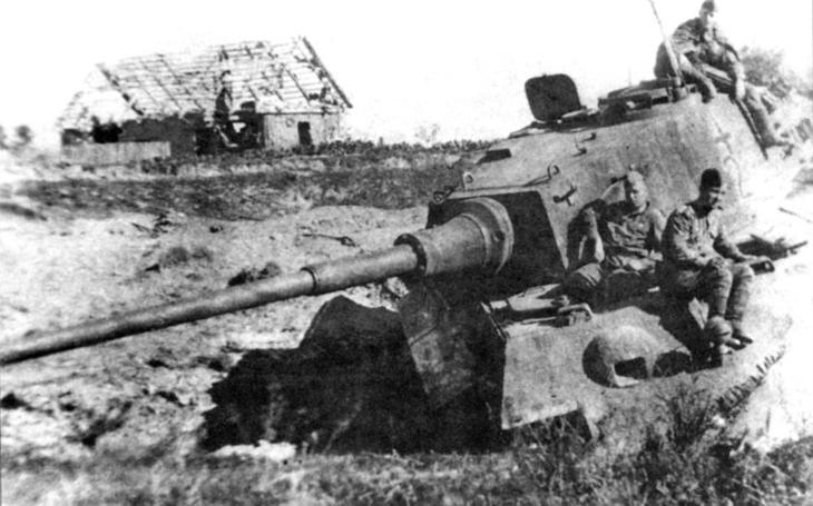 Alexandr Petrovič Oskin zničil tři nacistické tanky Tiger II během bitvy u Ogledowa