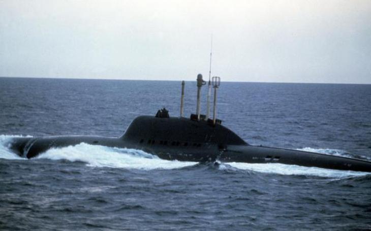 Sovětský ponorkový zabiják měl napadat americké letadlové lodě. Plavidla třídy Alfa však srážela technická nedokonalost