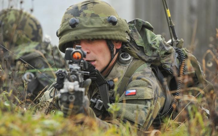 Ministerstvo obrany odstoupilo od kupní smlouvy na nové přilby pro AČR