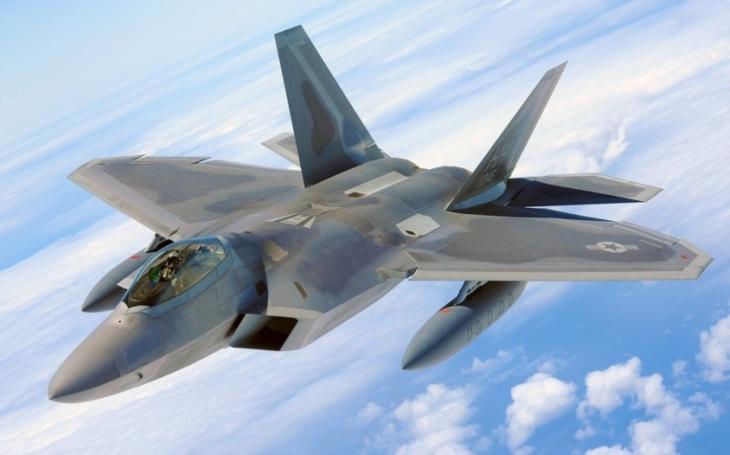 Zabojuje si F-22 až do roku 2045?