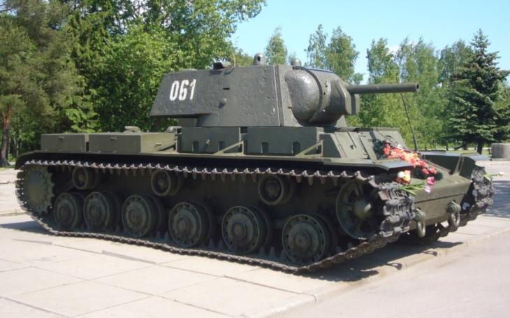 Zapomenuté příběhy - Jeden proti všem. Jak sovětský těžký tank držel 24 hodin v šachu německou divizi