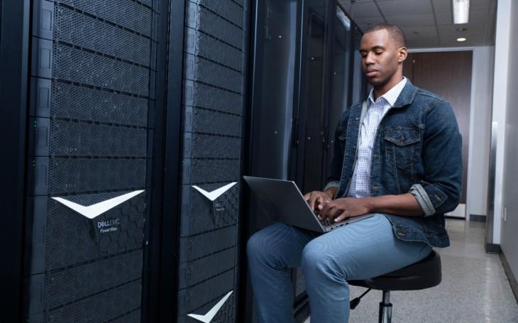 Úložiště Dell EMC PowerMax přicházejí s novými aktualizacemi a přinášejí jako první na trhu inovace, výkon a multicloud flexibilitu