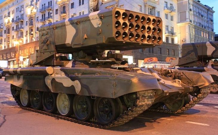 Likvidátor života. Ruský raketomet TOS-1A rozklepává nepřátelům kolena