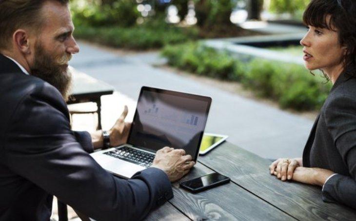 Video schůzky jsou efektivnější než klasické porady, říká průzkum