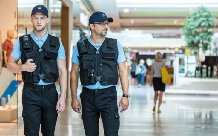 Průzkum SSI Group: lidé vnímají jako nejpříjemnější pracovníky security v obchodních centrech. Nejméně pak na nádražích, sportovních akcích a na letištích